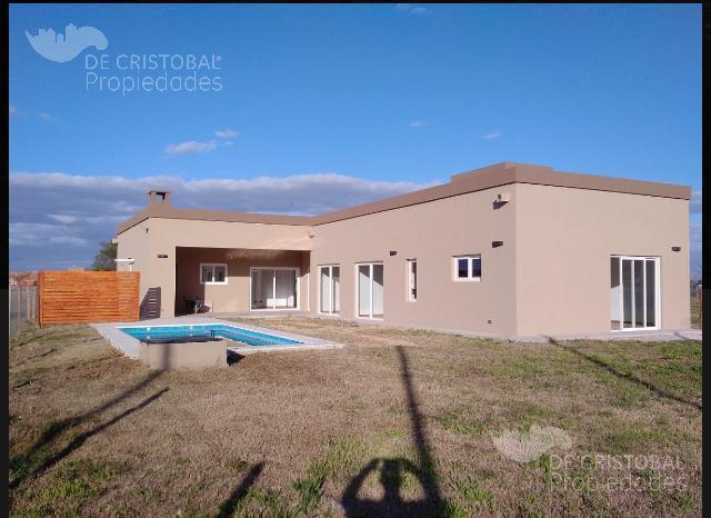 Foto Casa en Venta en  El Canton - Norte,  Countries/B.Cerrado  El Cantón Norte