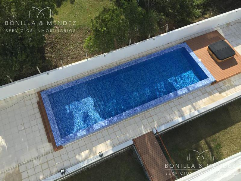 Foto Apartamento en Venta | Alquiler | Alquiler temporario en  Aidy Grill,  Punta del Este  Lenguas de Diamante y Juana de América