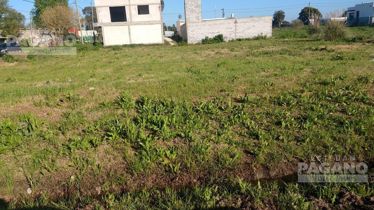 Foto Terreno en Venta en  Joaquin Gorina,  La Plata  495 esquina 138