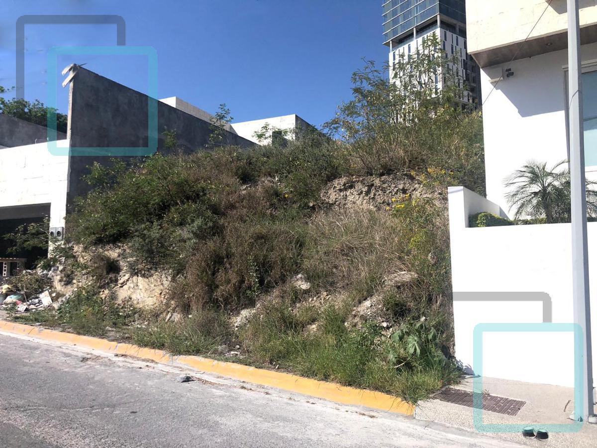 Foto Terreno en Venta en  Fuentes del Valle,  San Pedro Garza Garcia  TERRENO EN VENTA FUENTES DEL VALLE ZONA SAN PEDRO GARZA GARCIA