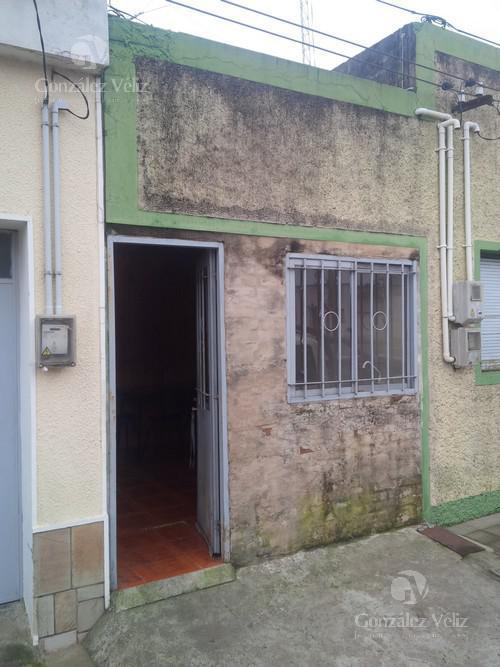 Foto Casa en Alquiler en  Carmelo ,  Colonia  Ituzaingo casi Varela