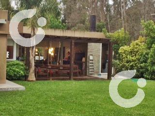 Foto Casa en Venta en   La Asunción,  Countries/B.Cerrado  Minimalista, impecable! barrio cerrado