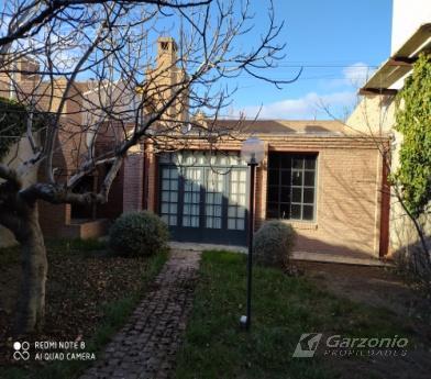 Foto Casa en Venta en  Trelew ,  Chubut  Urquiza al 300