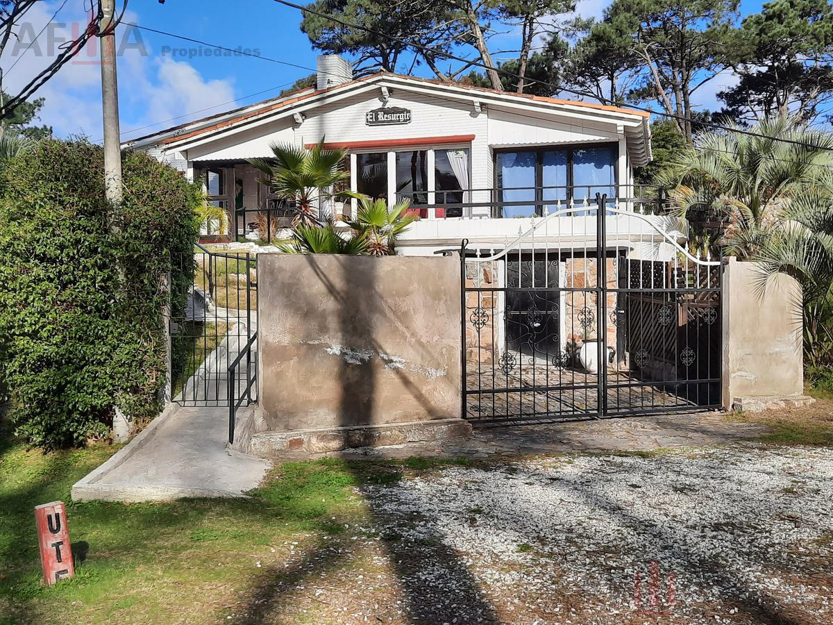 Foto Casa en Alquiler en  Cantegril,  Punta del Este  William Shakespeare Y Calderon De La Barca Sn,