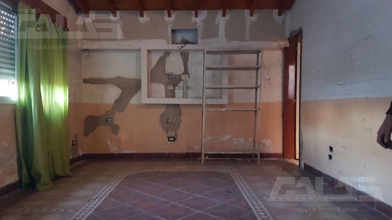 Foto Casa en Venta en  Ituzaingó ,  G.B.A. Zona Oeste  Caferata al 2000