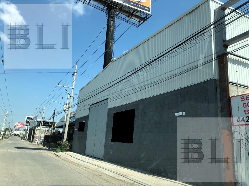 Foto Nave Industrial en Venta en  Querétaro ,  Querétaro  calle roble