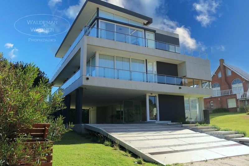 Foto Casa en Alquiler temporario en  Carilo ,  Costa Atlantica  Mimbre 50