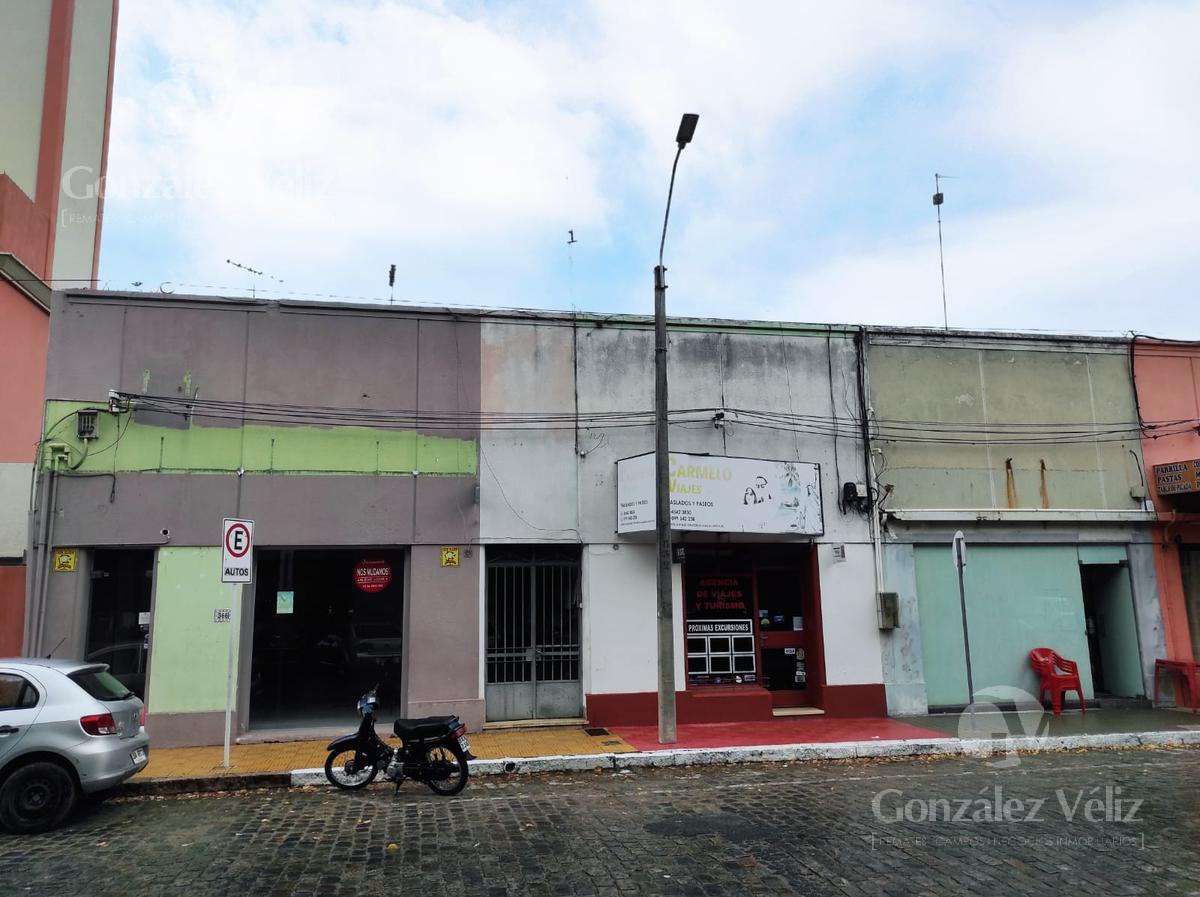 Foto Casa en Venta en  Carmelo ,  Colonia  18 de julio y Uruguay - Frente a la plaza Independencia