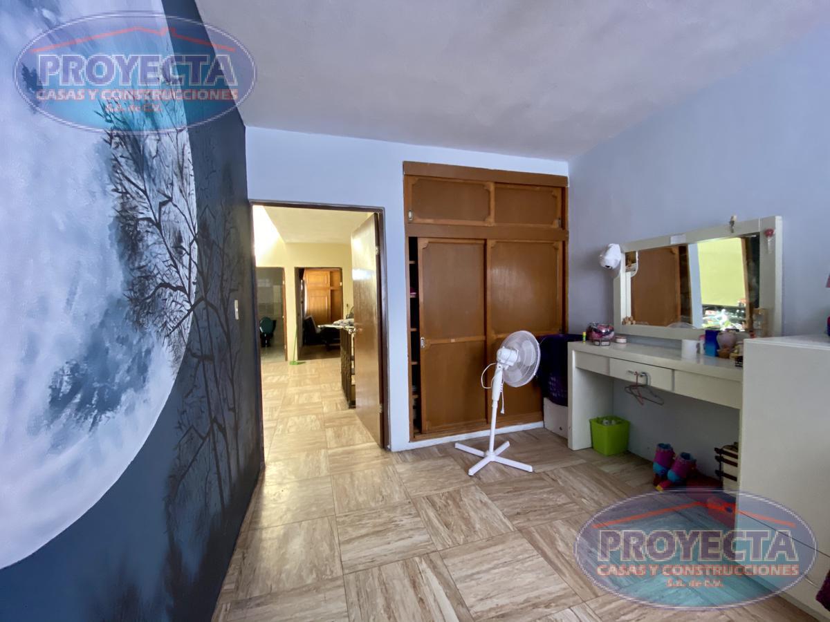 Foto Casa en Venta en  Fraccionamiento Santa Amelia,  Durango  CASA CON 4 RECAMARAS CERCA DEL HOSPITAL 450