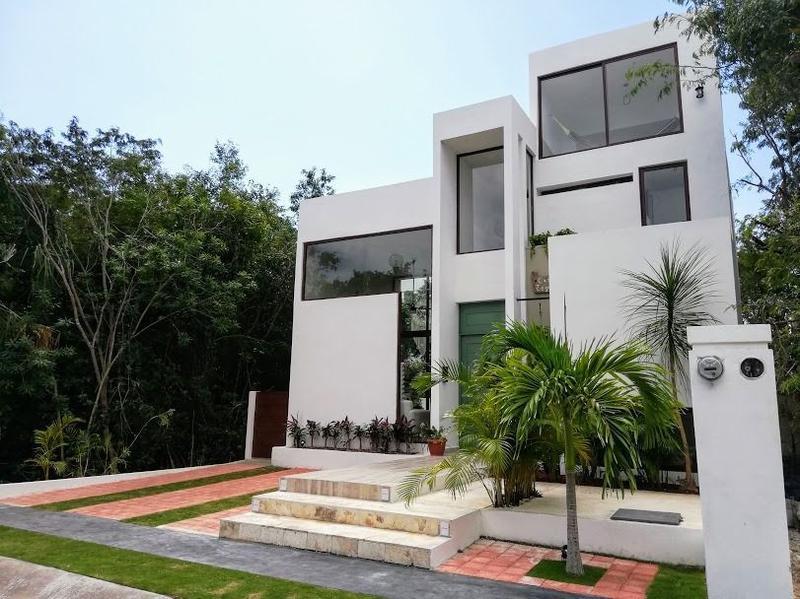 Foto Casa en Venta en  Barrio Encuentro,  La Grandeza  Moderna y espaciosa casa en venta El Encuentro, Playa del Carmen P2694