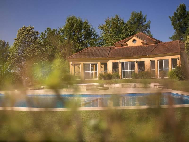 Foto Terreno en Venta en  Los Alcanfores,  Countries/B.Cerrado (Pilar)  Lotes centrales en venta, Alcanfores – Bayugar Negocios Inmobiliarios