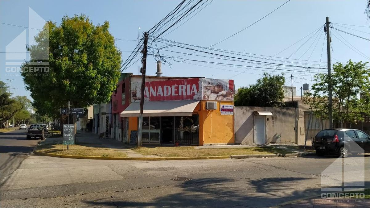 Foto Local en Venta en  Santa Fe,  La Capital  Avenida Aristóbulo del Valle 5200