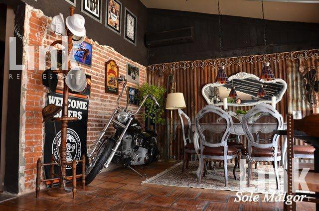 Foto Local en Venta en  Península,  Punta del Este  Península