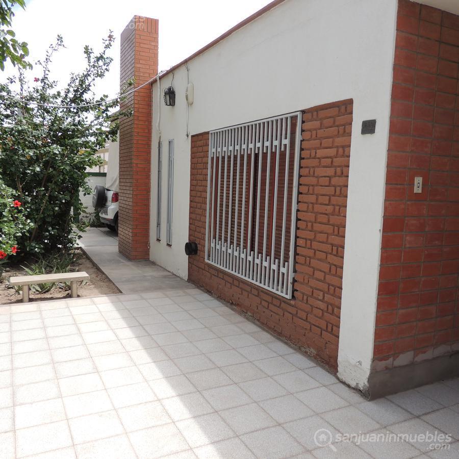 Foto Casa en Alquiler en  Chimbas ,  San Juan  Maradona al 600 (Barrio Dorrego) - Chimbas