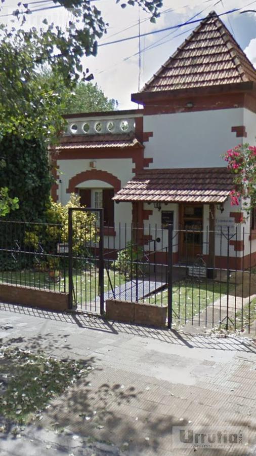 Foto Casa en Venta en  Castelar,  Moron  MITRE al 2100