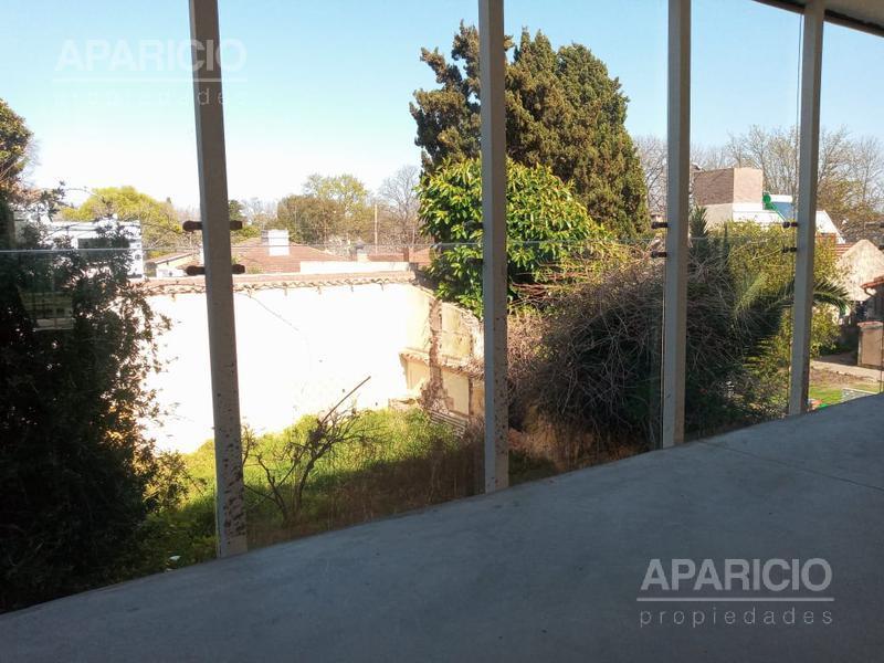 Foto Local en Alquiler en  City Bell,  La Plata  Centenario Entre 474 y 476