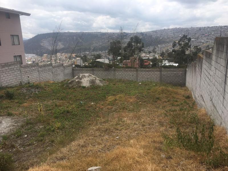 Foto Terreno en Venta en  Norte de Quito,  Quito  Mastodontes