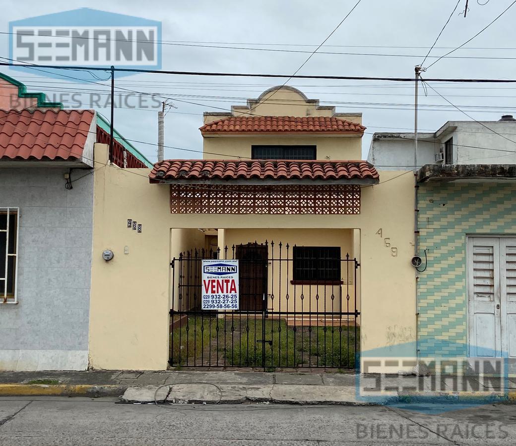 Foto Casa en Venta en  Virgilio Uribe,  Veracruz  Venta de Casa en Av. Icazo #468 entre Allende Norte y Netzahualcoyotl Norte, Colonia Virgilio Uribe, Veracruz, Ver.