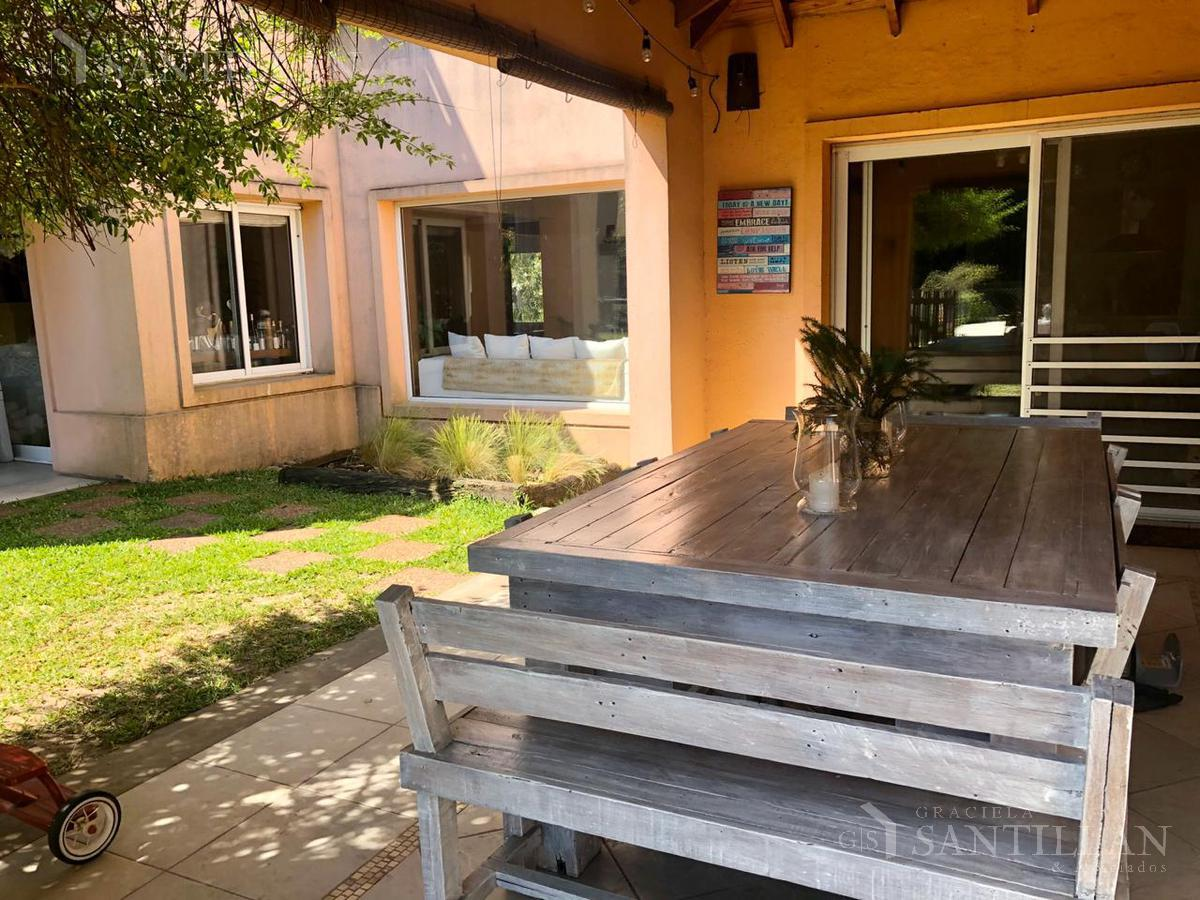 Foto Casa en Alquiler temporario en  Laguna Del Sol,  Countries/B.Cerrado (Tigre)  LAGUNA DEL SOL FEBRERO