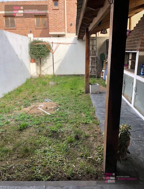 Foto PH en Venta en  La Plata ,  G.B.A. Zona Sur  529 27 y 28