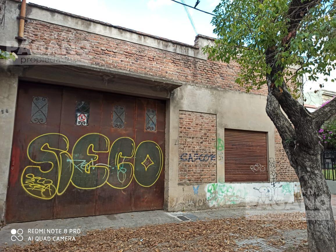 Foto Galpón en Venta en  La Plata,  La Plata  71 e 6 y 7