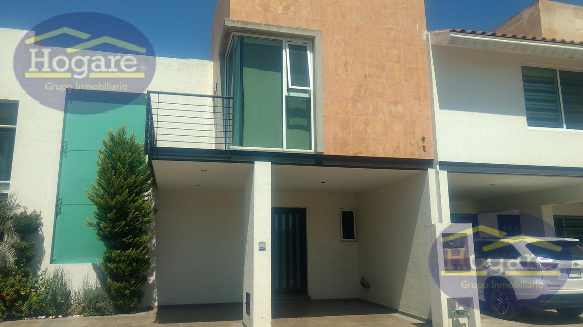Casa en Renta en León Gto. en Residencial La Cantera, dentro de privada