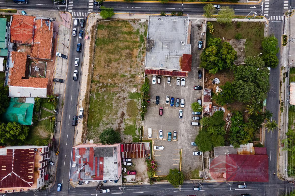 Foto Terreno en Venta en  Morazan,  San Pedro Sula  Boulevard Morazan, frente a Nova Prisa