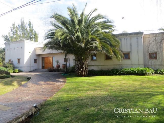 Foto Casa en Venta en  San Diego C.C,  Countries/B.Cerrado (Moreno)  Moderna Propiedad en San Diego C.C