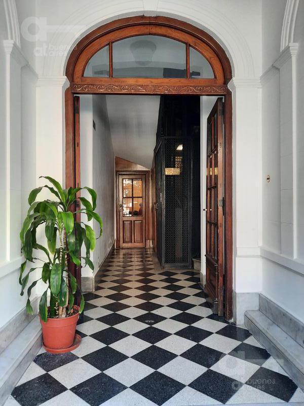 Foto Departamento en Venta en  San Telmo ,  Capital Federal  Peru al 1000, piso 3