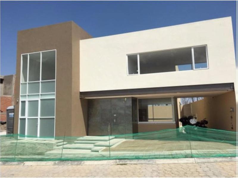 Foto Casa en Venta en  La Isla Lomas de Angelópolis,  San Andrés Cholula  Casa nueva en venta Parque Jalisco Lomas de Angelópolis