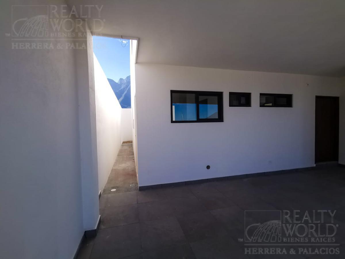 Foto Casa en Venta en  Cumbres Platino,  Monterrey              Casa en venta  en Monterrey Nuevo Leon en  Cumbres Platino.