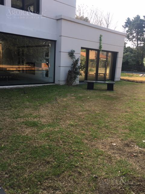 Foto Casa en Alquiler en  Miraflores,  Countries/B.Cerrado (Escobar)  Miraflores