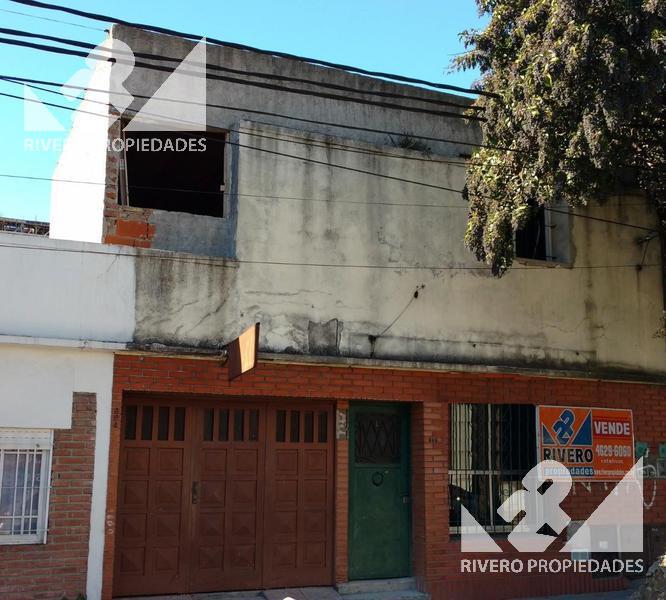 Foto Casa en Venta en  Moron Sur,  Moron          San Martin  800