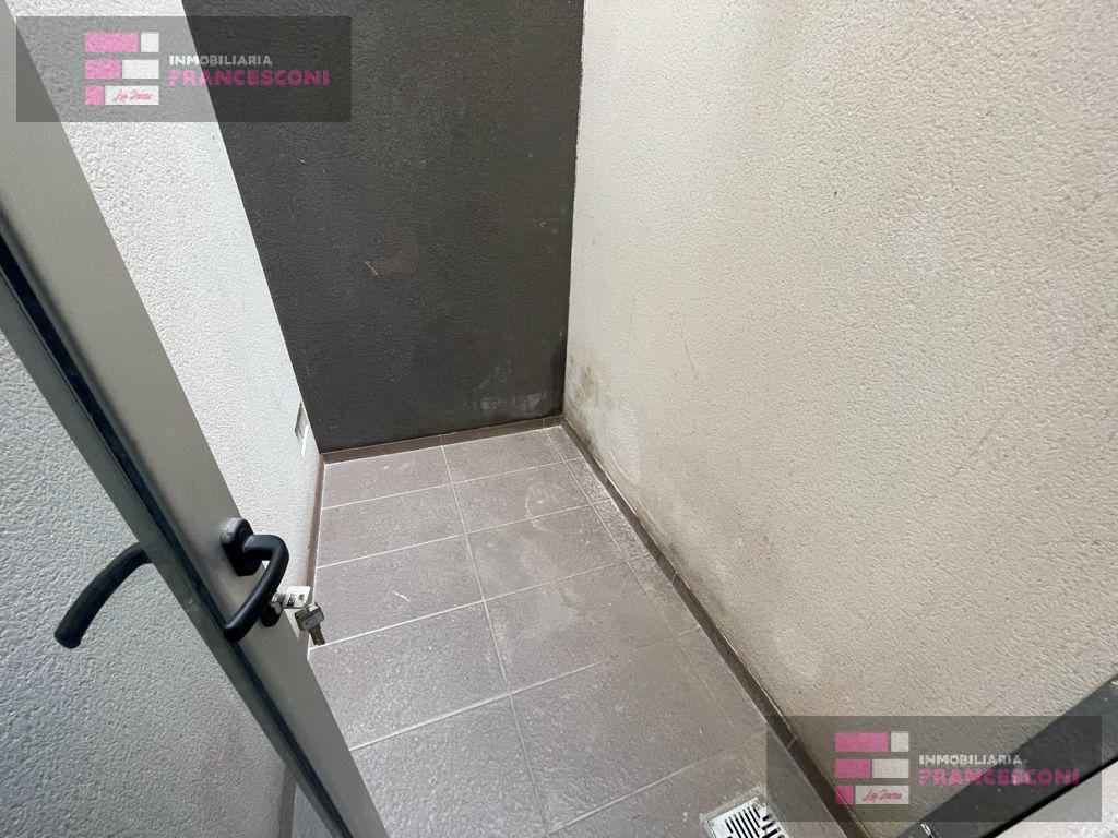 Foto Departamento en Venta | Alquiler en  La Plata ,  G.B.A. Zona Sur  42 15 y 16