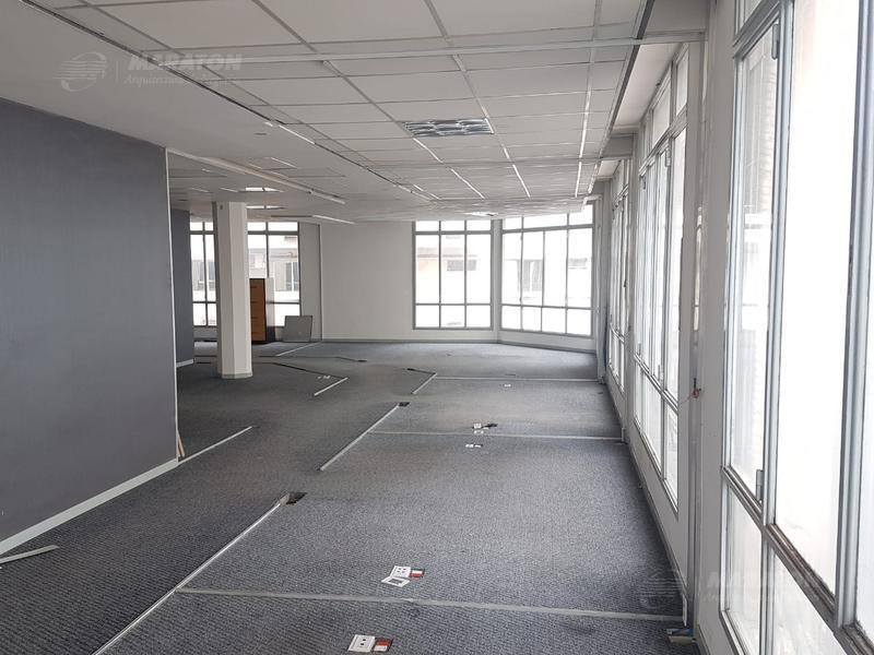 Foto Oficina en Alquiler en  San Nicolas,  Centro  Saenz Peña, Roque, Pres. Diagonal Norte Av. al 900