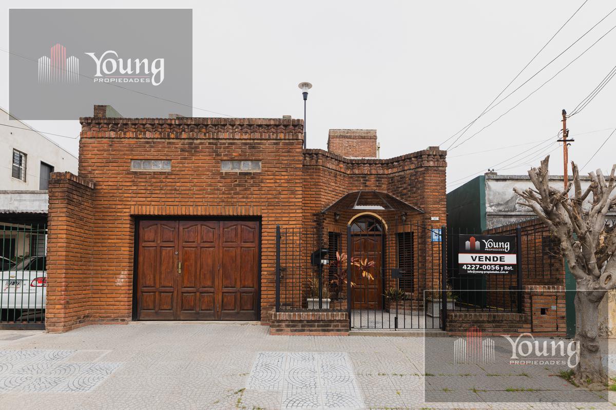 Foto Casa en Venta en  Quilmes ,  G.B.A. Zona Sur  Blas Parera al 100