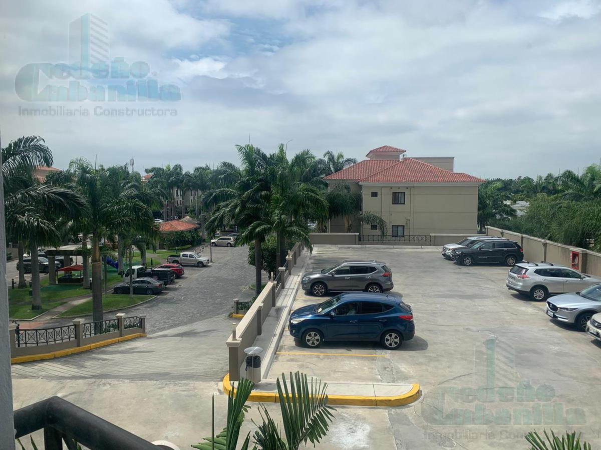 Foto Departamento en Venta en  Samborondón ,  Guayas  VENDO HERMOSO DEPARTAMENTO - KM 3 VÍA SAMBORONDÓN