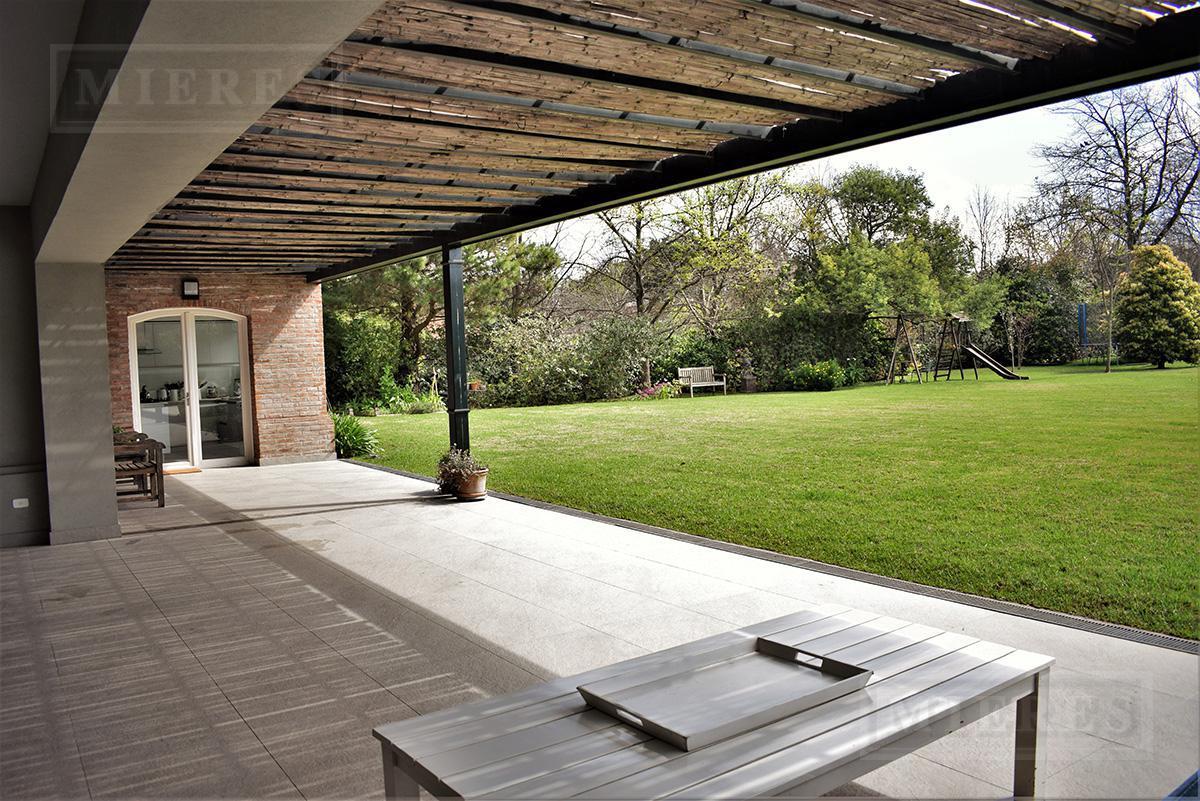 MIERES Propiedades- Casa de 550 mts en Mayling Club de Campo