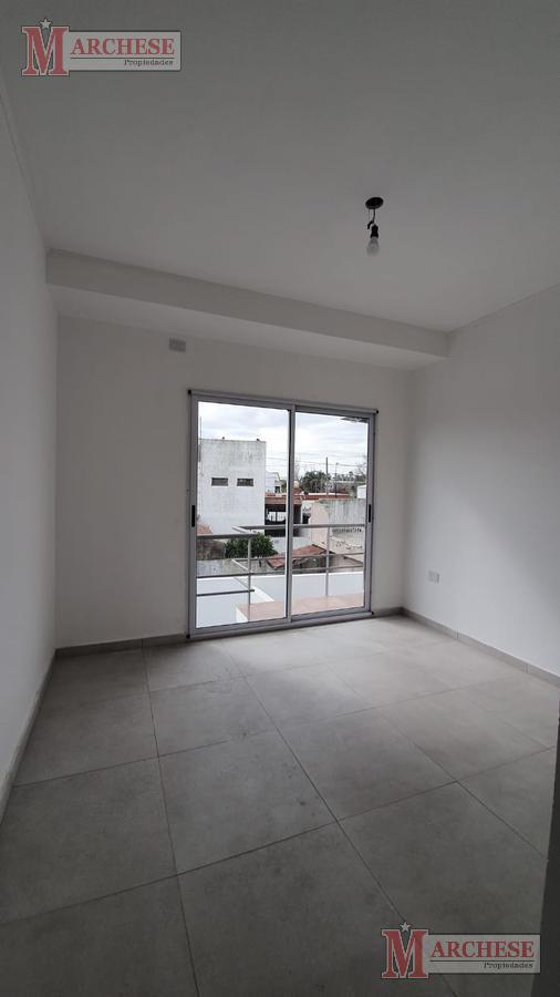 Foto Departamento en Venta en  Castelar,  Moron  Miguel Lillo al 2400
