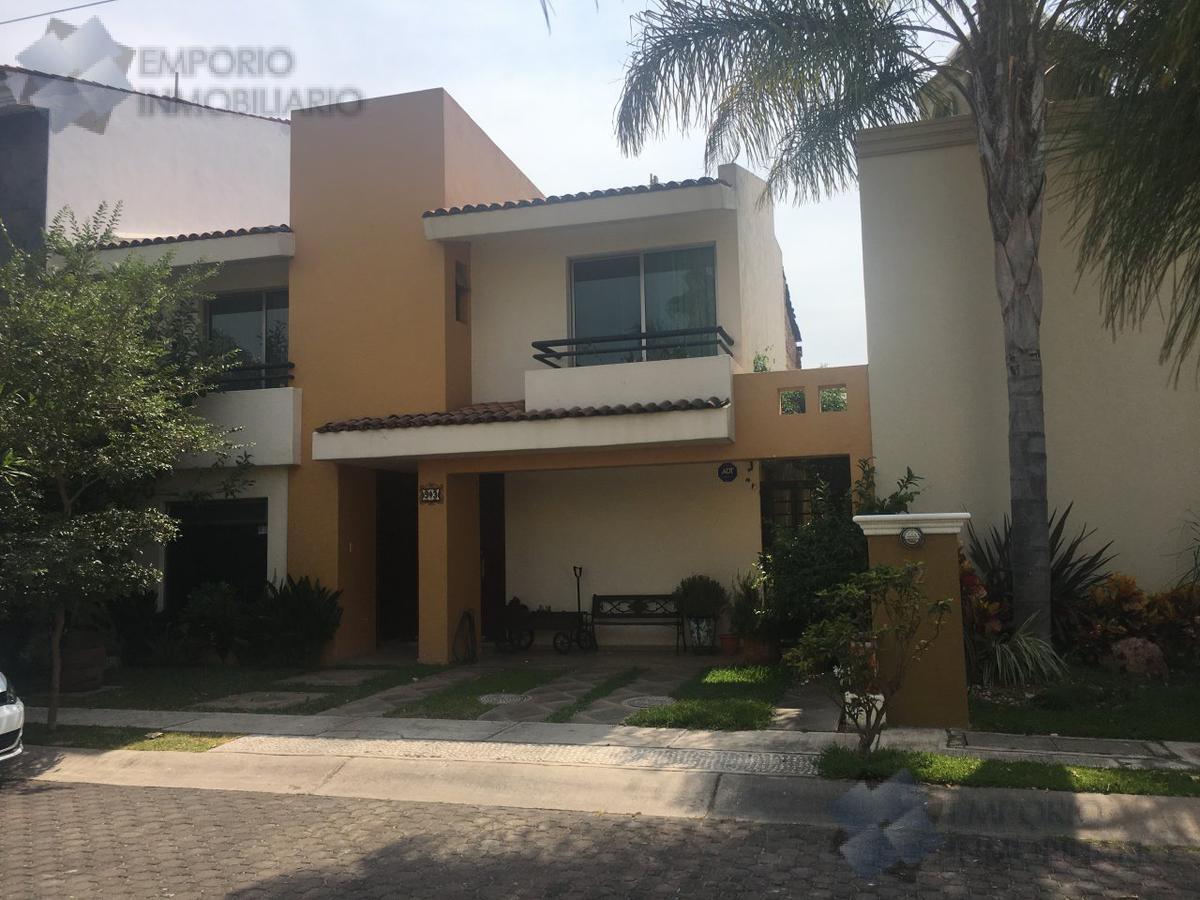 Foto Casa en Venta en  Fraccionamiento Jardín Real,  Zapopan  Casa Venta Jardín Real - Coto 5 - $5,200,000 A386 E1
