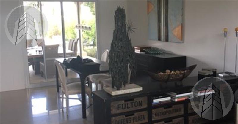 Foto Casa en Venta en  Santa Barbara,  Countries/B.Cerrado (Tigre)  Barrio Santa Barbara
