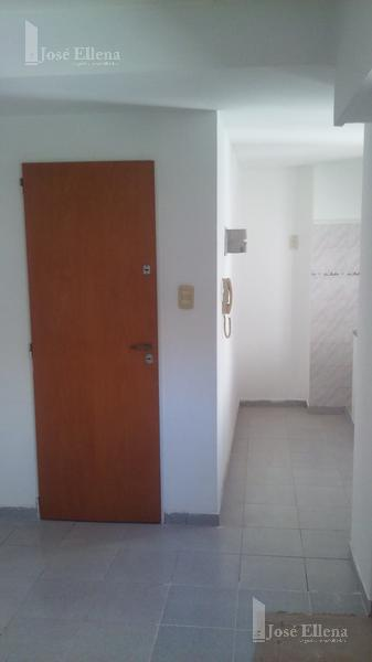 Foto Departamento en Alquiler en  Macrocentro,  Rosario  Fernando el Catolico al 4100
