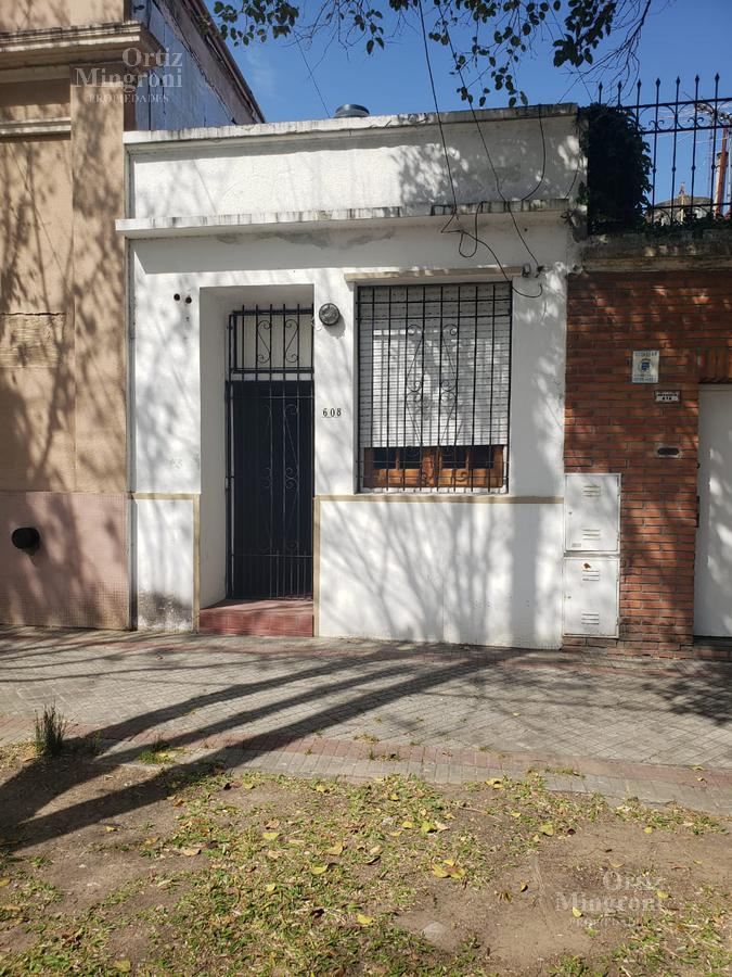 Foto Departamento en Alquiler en  Lomas de Zamora Oeste,  Lomas De Zamora  Darragueira al 600