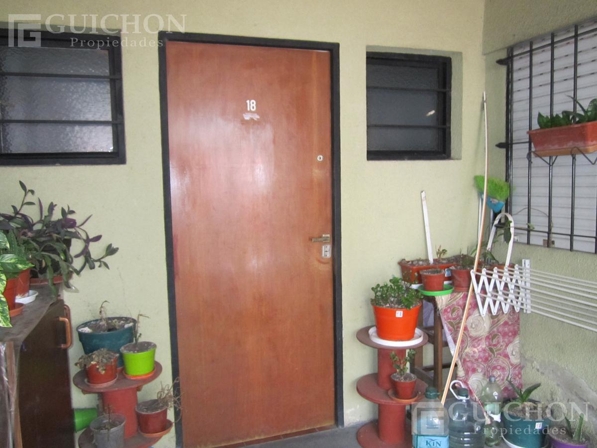 Foto Departamento en Alquiler en  La Plata ,  G.B.A. Zona Sur  1n al 1500