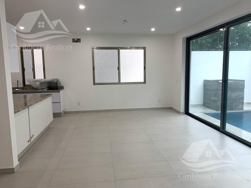 Picture House in Sale in  Aqua,  Cancún  Aqua