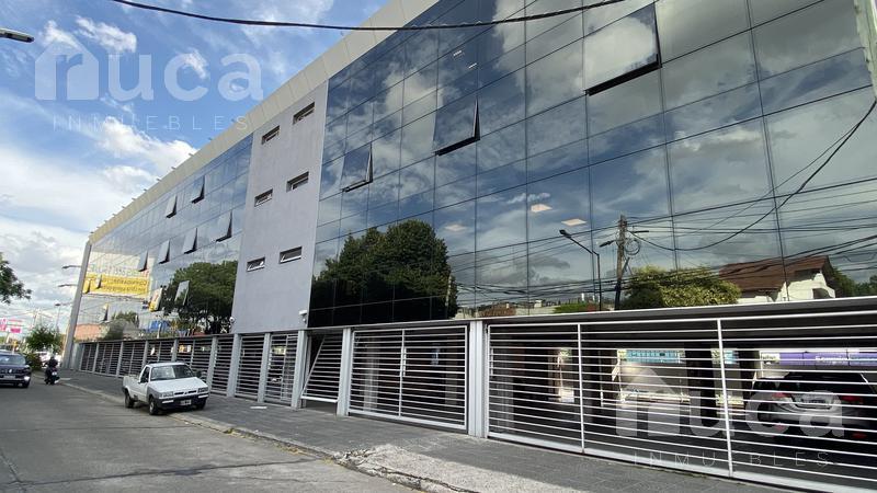 Foto Oficina en Alquiler en  Martinez,  San Isidro  Excelentes oficinas de 600m2 con ubicación estratégica | Panamericana Colectora Norte N°1925
