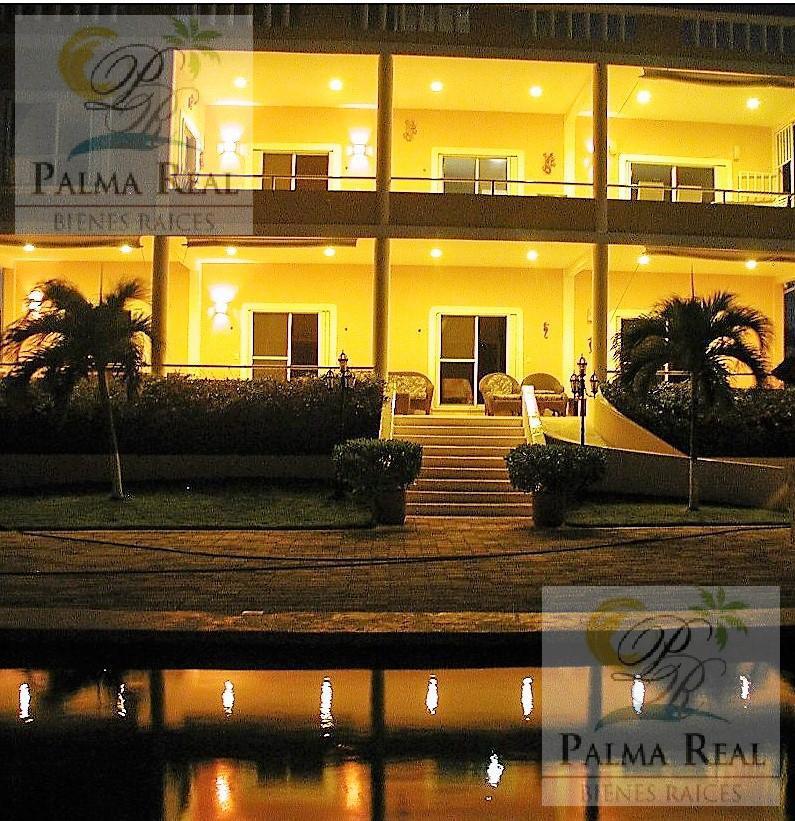 Foto Casa en Venta en  Puerto Morelos,  Puerto Morelos  OFREZCO ESPECTACULAR PROPIEDAD FRENTE AL MAR COMO NEGOCIO
