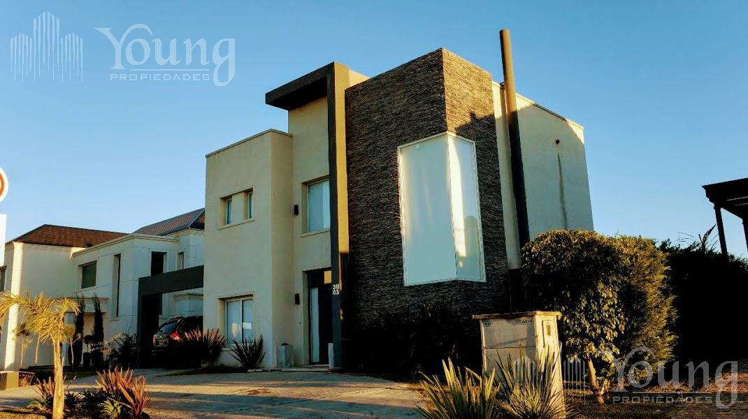 Foto Casa en Venta en  Don Bosco,  Quilmes  Av Caseros al 1700