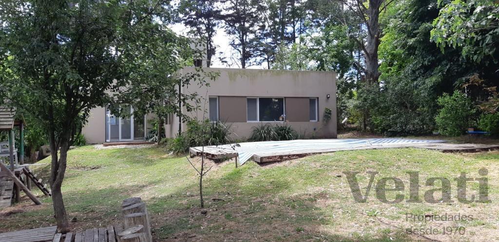 Foto Casa en Venta en  Sierra De Los Padres,  Mar Del Plata  Los Almendros 1666
