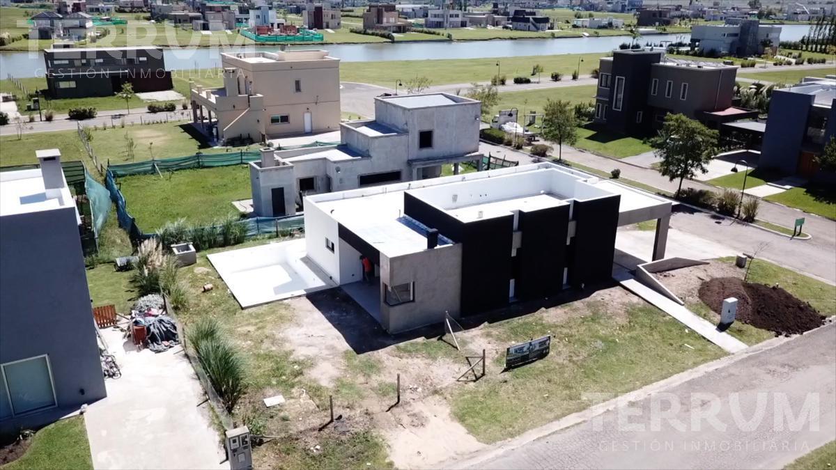Foto Casa en Venta en  Horizontes al sur,  Guernica  CASA EN VENTA : CANNING : HORIZONTES AL SUR